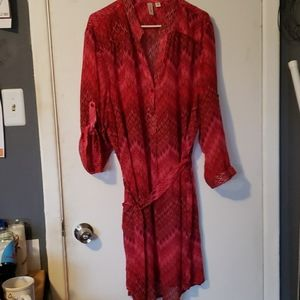 Woman's dress 3/4 sleeve that can button up